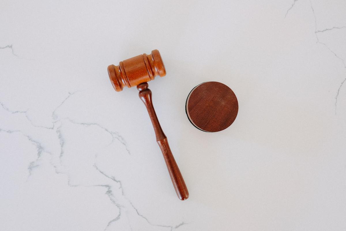 Wynajmujący nie płaci czynszu – jakie są Twoje prawa jako właściciela lokalu?